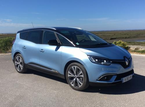 photo RENAULT GRAND SCENIC BLACK EDITION 7 PLACES 1.7 BLUE DCI 150 CV EDC